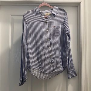 Hollister size large button down